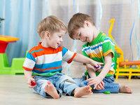 Studen holding donirao igrališta za četiri vrtića Naša djeca u Brčkom
