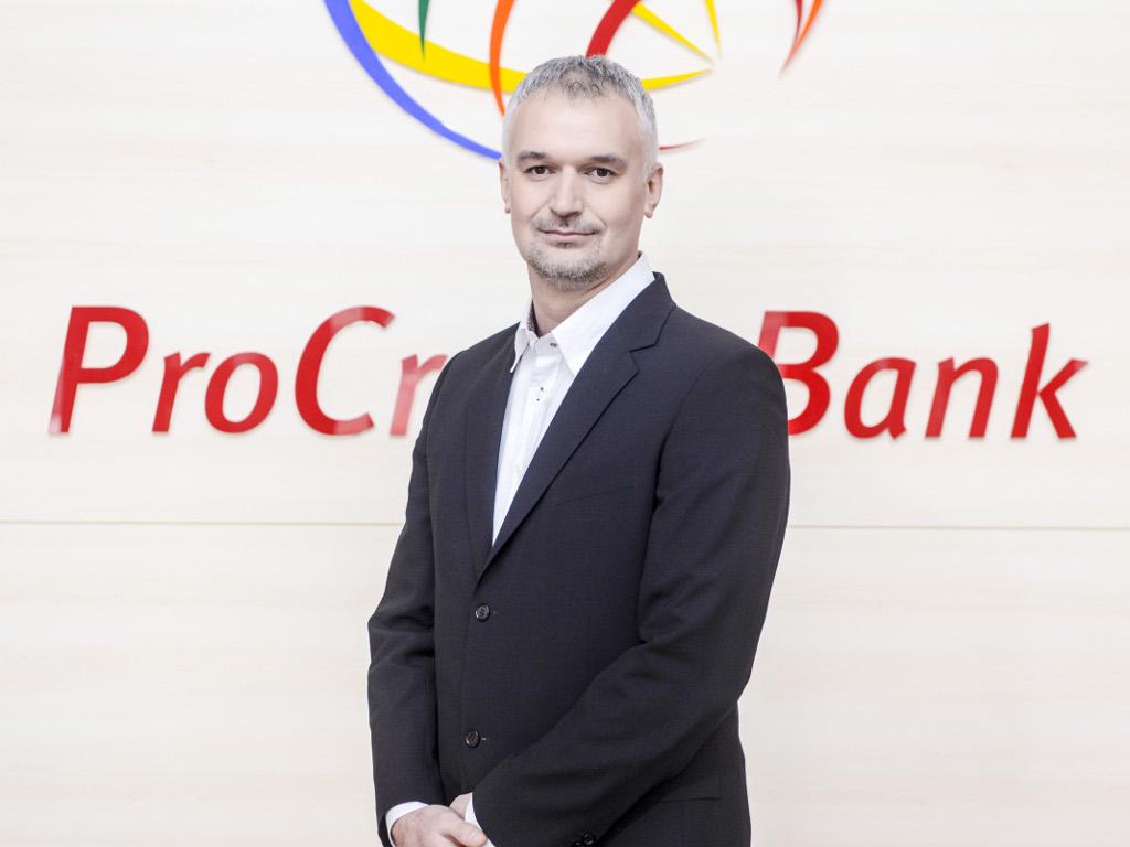 Edin Hrnjica, direktor ProCredit banke - Samo je promjena stalna