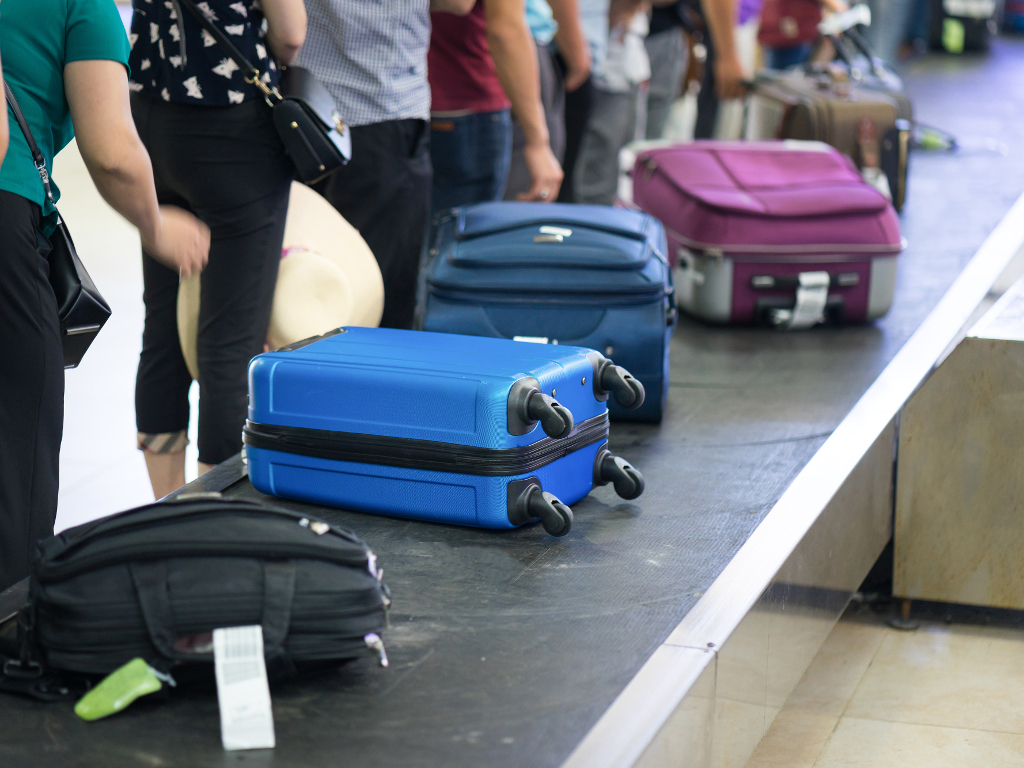 Smart luggage – From phone charging to GPS system