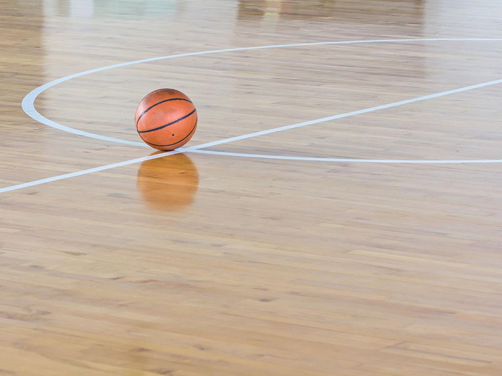 Sporthalle und Trimm-dich-Pfad am See Srebrno jezero - Bewohner von Veliko Gradište hoffen auch auf ein Hallenbad