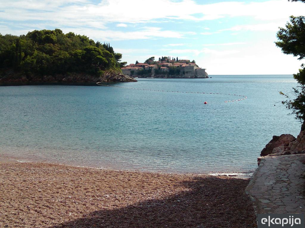 Kraljičina plaža dobija osam etaža - Vlada Crne Gore odobrila investitoru rušenje nekada reprezentativnog hotela u Miločeru