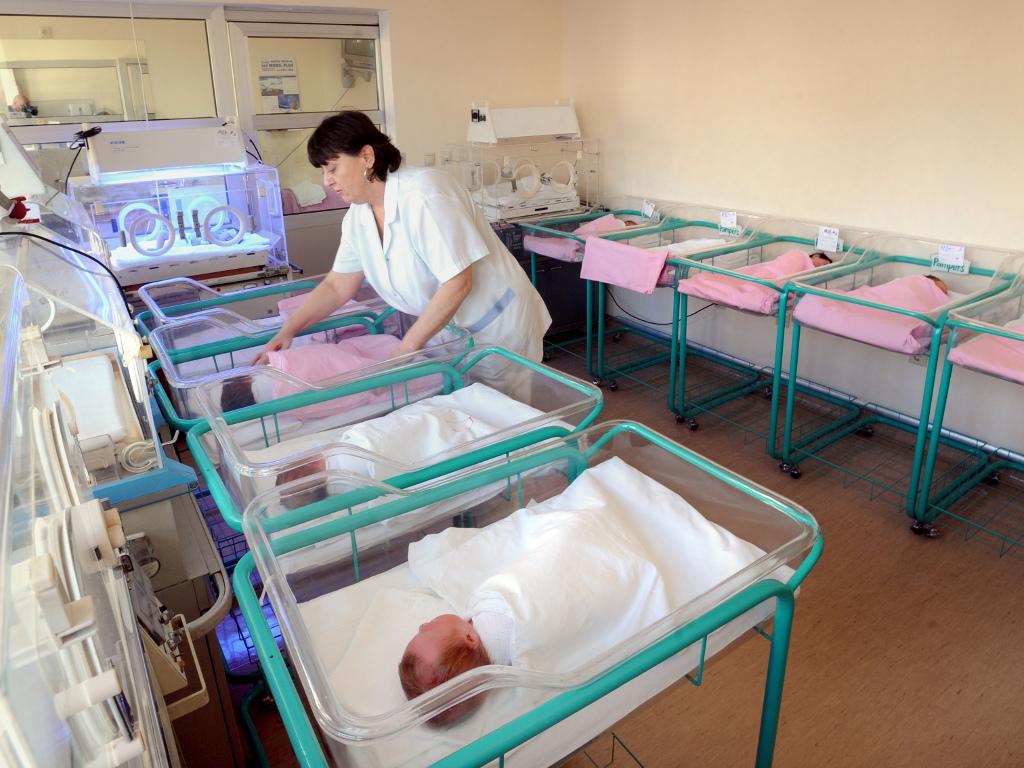 Porodilišta u BiH primila donacije od Pampersa