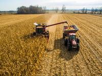 Od traktora do tableta - Inovativna IT rešenja kao savremena podrška poljoprivredi
