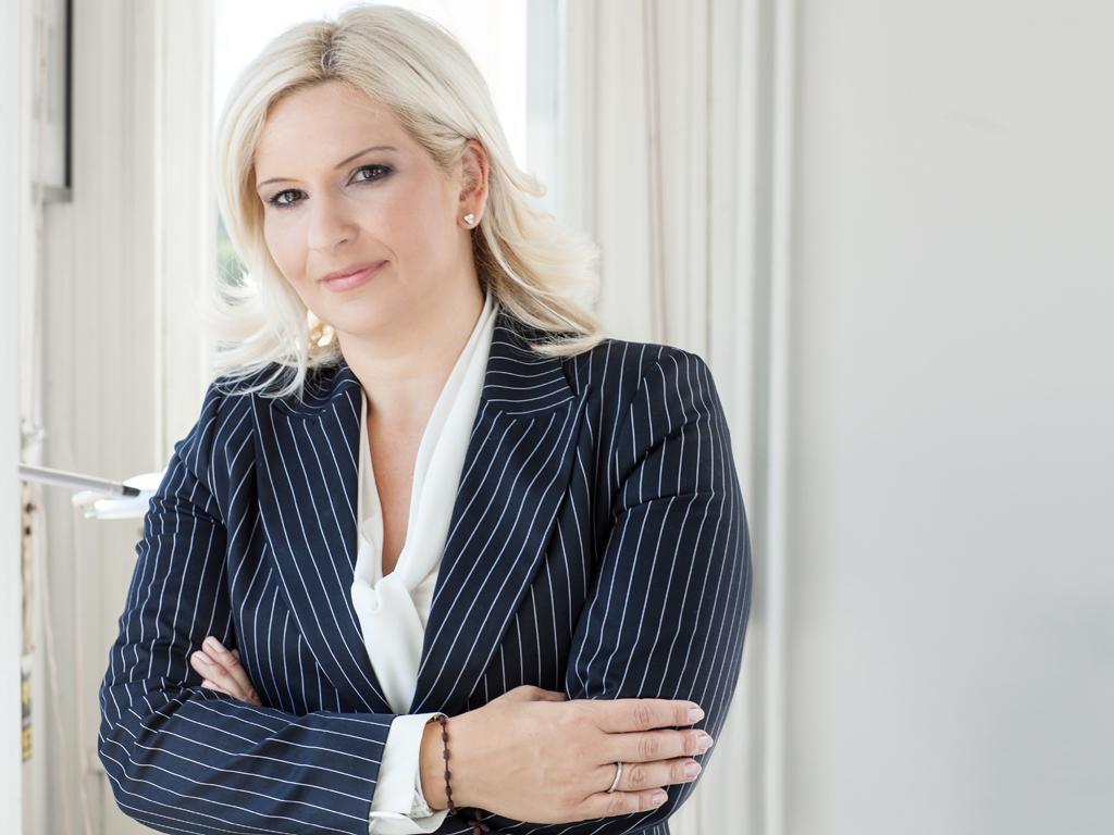 Zorana Mihajlović, ministarka energetike, razvoja i zaštite životne sredine - Bele ruže za energičnu ženu