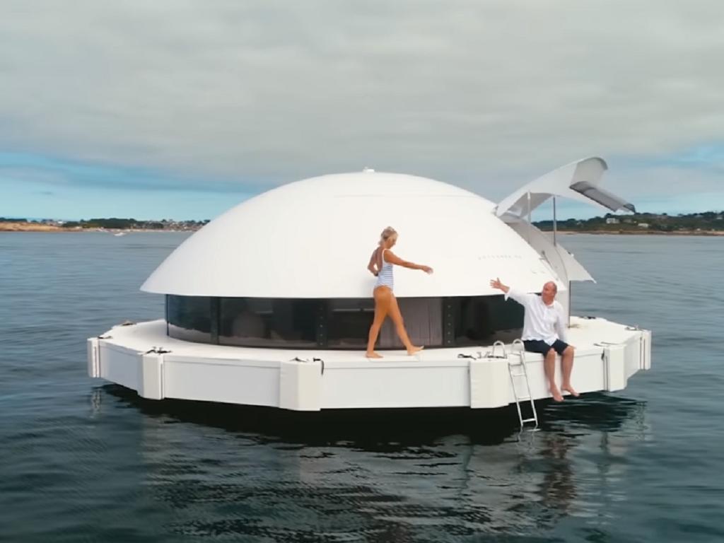 Prvi plutajući hotel na svetu - Kapsule od 540 m2 rade na solarnu energiju