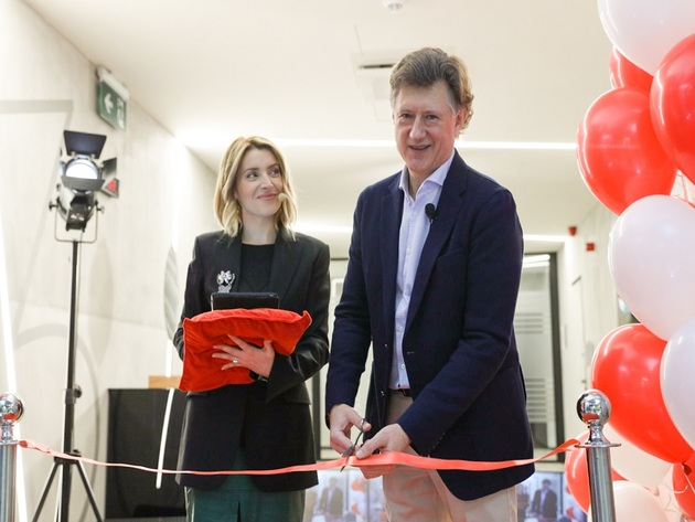 Viktor Veklitch, JTI Adriatica General Manager, and actress Andjelka Prpic at the opening of the new office