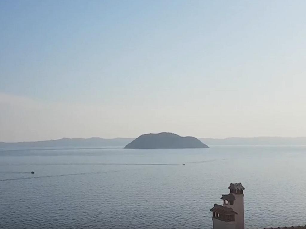 Grci prodaju ostrvo Kornjača u blizini Neos Marmarasa za 10 mil EUR