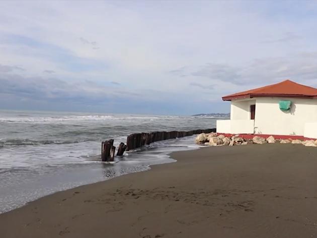 Erozija plaže na Adi Bojani