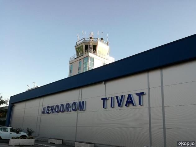Promet putnika na tivatskom aerodromu u nekim danima i iznad očekivanja