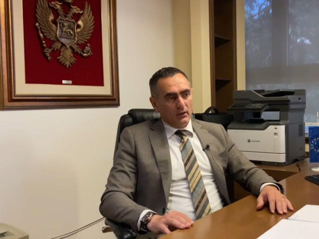 Aleksandar Damjanović, direktor Uprave prihoda i carina - Dati privredi šansu da ostvari zaradu