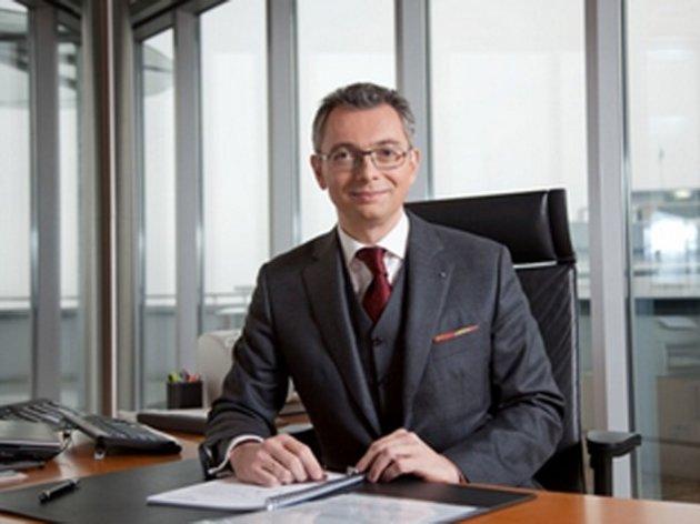 "Aleksander Picker an der Spitze der ""Komercijalna banka"""