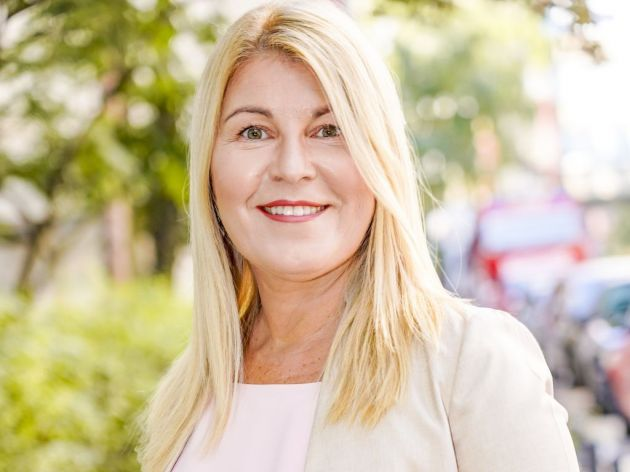 Alena Ahmetspahić Fočo, direktorka projekata i glavni i odgovorni urednik Poslovnih novina  - Tamo gde je politika zakazala privrednici su se uvezali