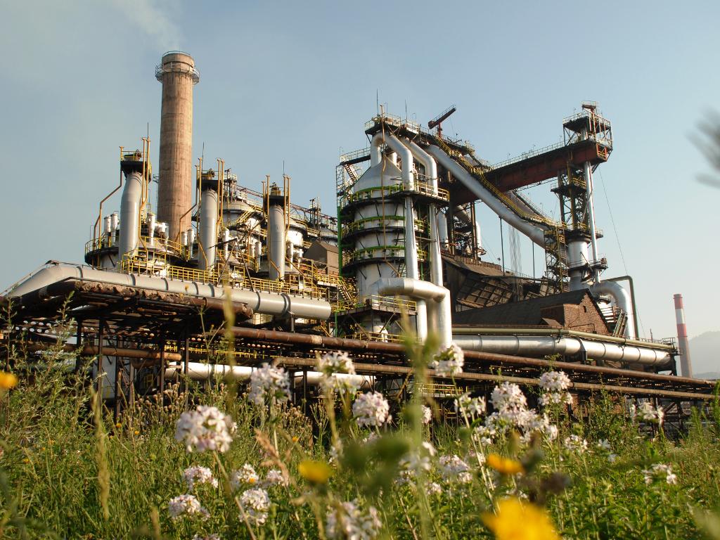 ArcelorMittal vraća radnike sa čekanja i pušta u rad visoku peć