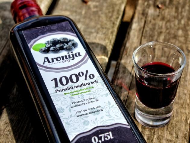 Kvalitet iznad svega - Matični sok od aronije gazdinstva Zubović stiže sa netaknutih obronaka Kopaonika (FOTO)