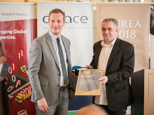 Mihailo Vesović, zamenik generalnog menadžera PKS i Željko Pantić iz kompanije Algo Tehnology, dobitnik nagrade za investiciju godine Aurea 2018