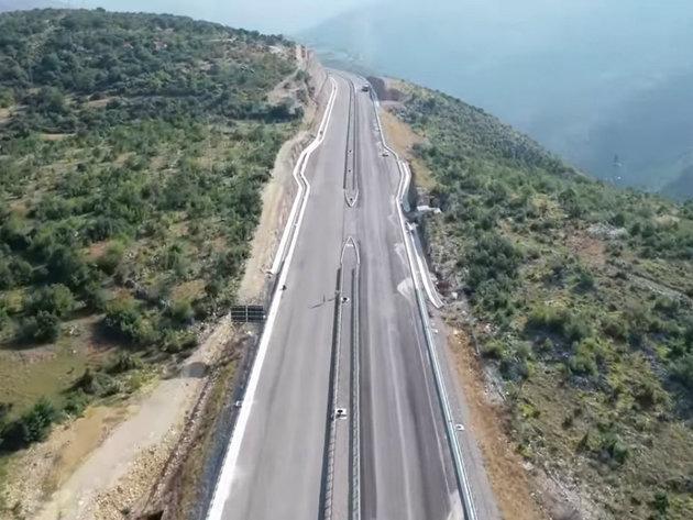 Ubrzani radovi na izgradnji autoputa - Završetak prve dionice moguć do kraja novembra