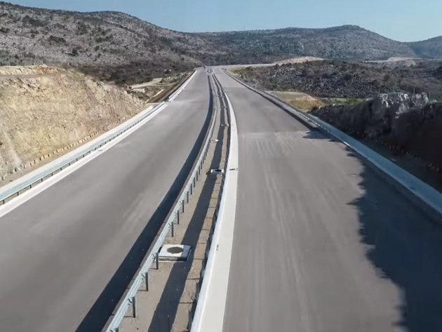 Završetak radova na autoputu očekuje se na jesen - Do sada izgrađeni svi objekti na građevinskoj trasi prve dionice