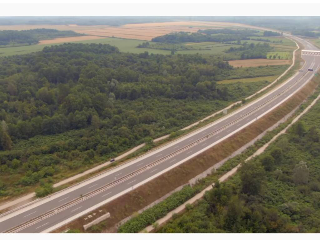 Ovako izgleda autoput od Odžaka do Save koji od 2017. čeka prve automobile (VIDEO)