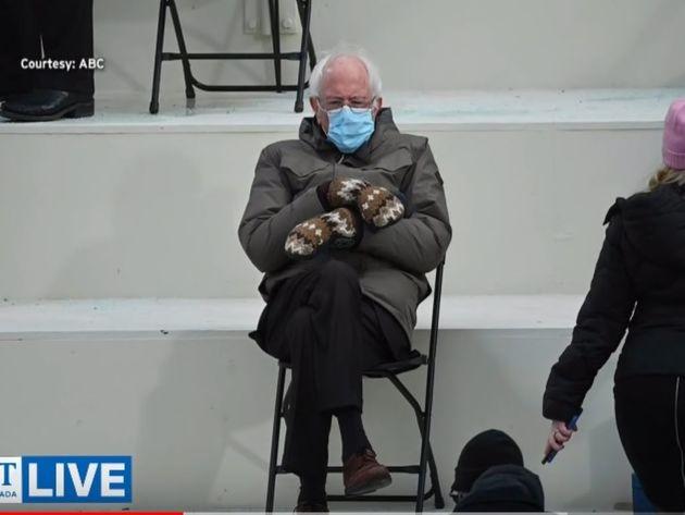 Rasprodate rukavice koje je Berni Sanders nosio na inauguraciji Bajdena