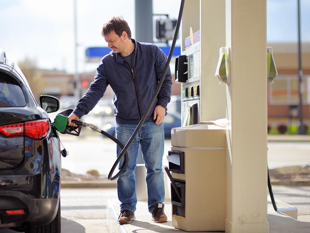 Šta sve utiče na cijenu goriva u BiH - Ako točite za 50 KM, država uzima 24 KM poreza