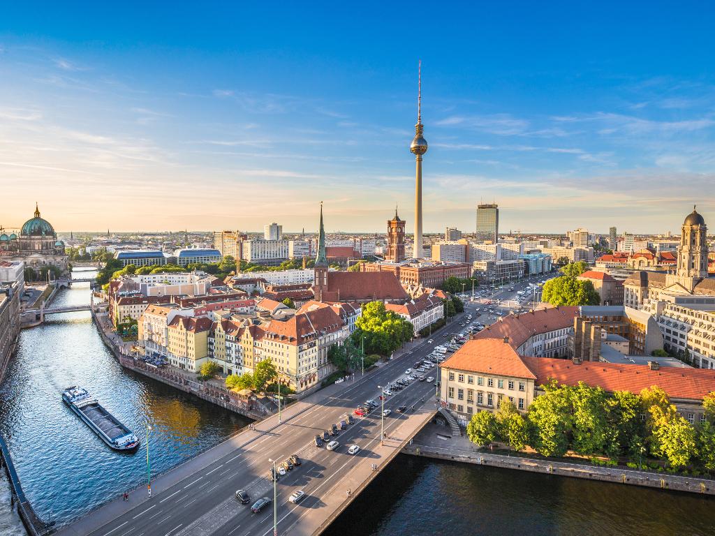 Norveški milijarder planira da kupi gotovo 4.000 stanova u Berlinu - Deo građana priprema proteste