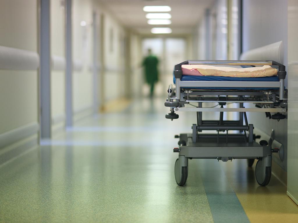 Planira se izgradnja dve bolnice za očekivani jesenji udar koronavirusa - Traži se partner