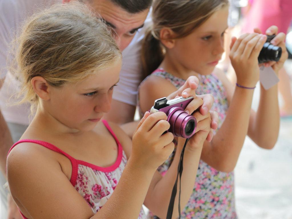 Kompanija Canon donacijom iz Selfieless kampanje obezbedila odlazak mališana na more