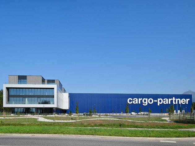 Kompanija cargo-partner obeležila je zvanično otvaranje iLogističkog centra u blizini ljubljanskog aerodroma
