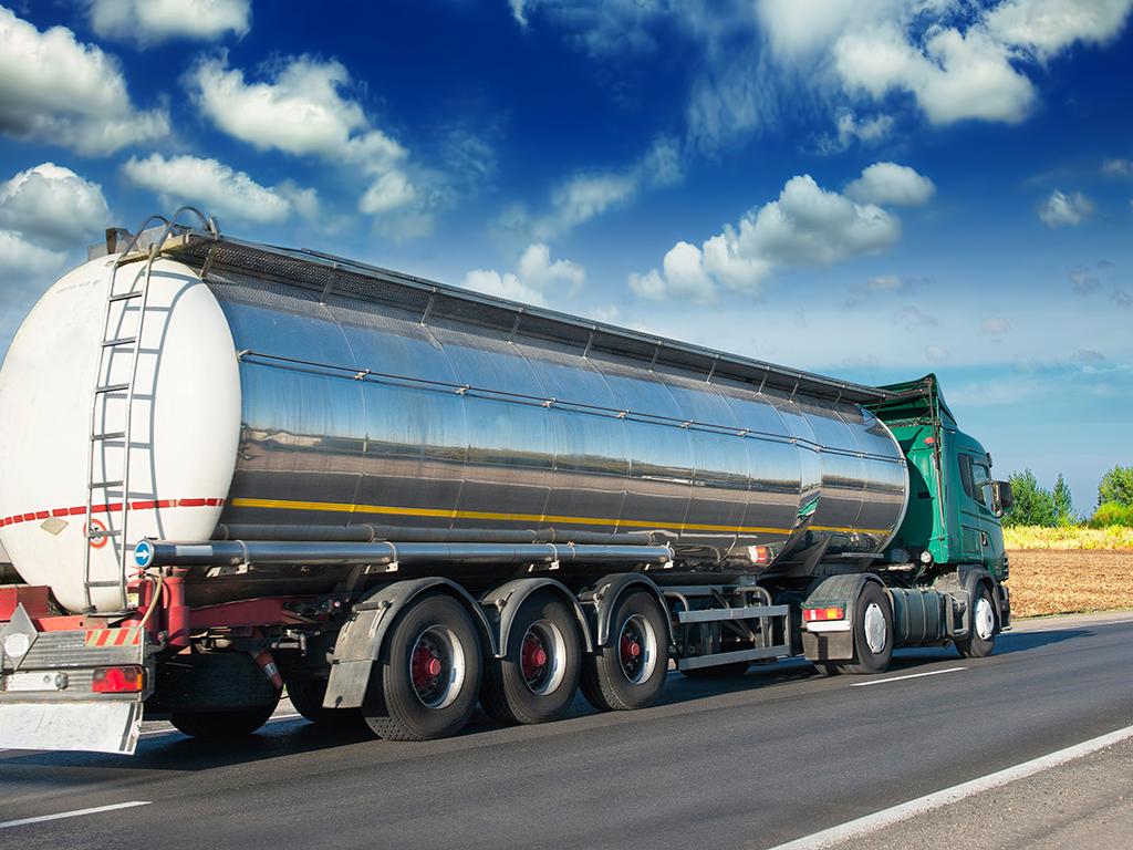 Donet Pravilnik o uslovima u pogledu stručne osposobljenosti ovlašćenog stručnog lica koje ispituje cisternu, baterijsko vozilo i MEGC