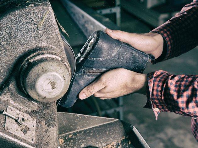 Gumeni opanci iz Tigra idu za Japan - Fabrika iz Pirota ugovorila značajan izvoz, radnici rade u tri smjene