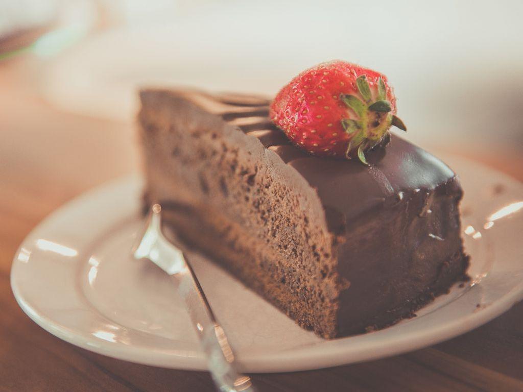 Torte i kolači mogu pomoći u mršavljenju? - Čuvena blogerka testirala neobičnu metodu tokom doručka