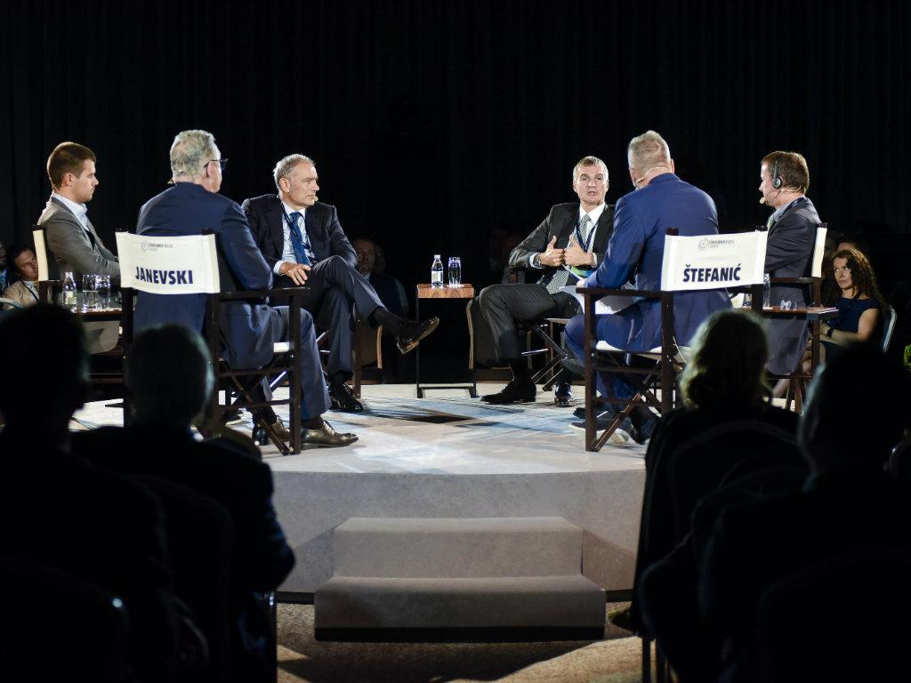Promene u potražnji potrošača zahtevaju od  proizvođača da se prilagode - Održan Consumer Rules Summit