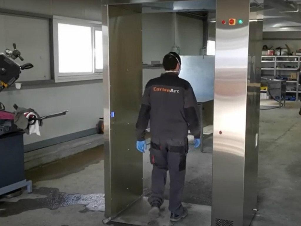 Kompanija Corten Art proizvela prvi prototip dezinfekcionog tunela (VIDEO)