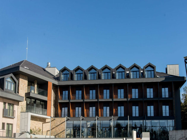 Hotel Crni Vrh opens on Divcibare – Completion of sports hall with five courts announced for 2020