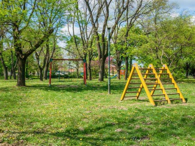 U podgoričkom naselju Masline završena izgradnja dječijeg igrališta