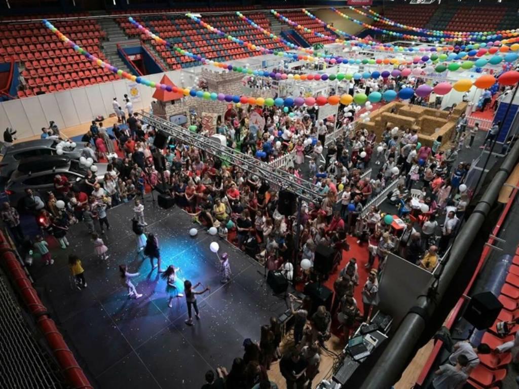 Više od 20.000 posjetilaca na Dječijem sajmu Banjaluka - U revijalnom programu predstavilo se 1.200 mališana