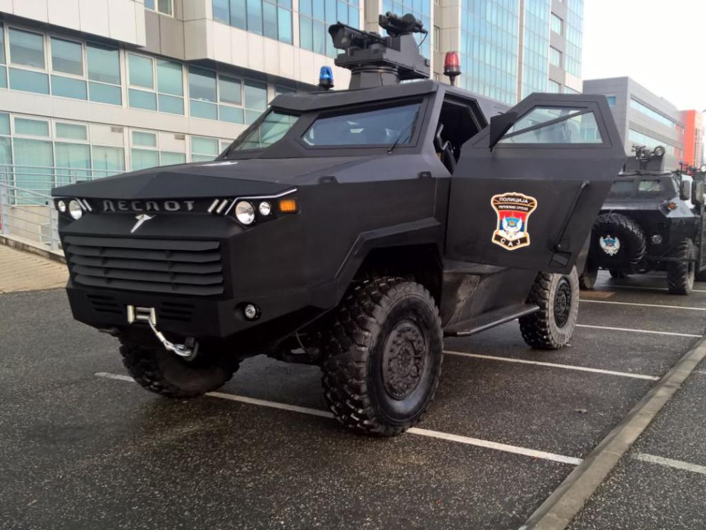 Predstavljeno prvo oklopno vozilo proizvedeno u RS - Despot namijenjen vojsci i policiji
