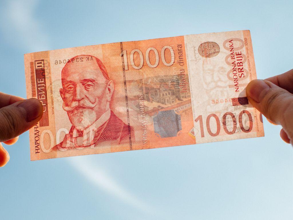 Falsifikatori i dalje najviše varaju sa novčanicom od 1.000 dinara