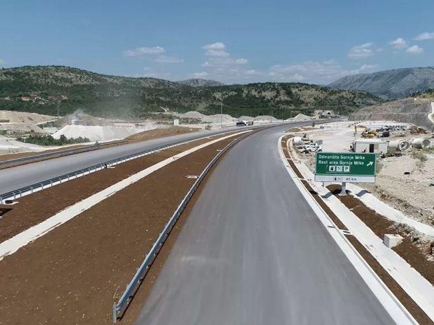 Završetak građevinskih radova na autoputu do kraja novembra, upitan datum puštanja u saobraćaj