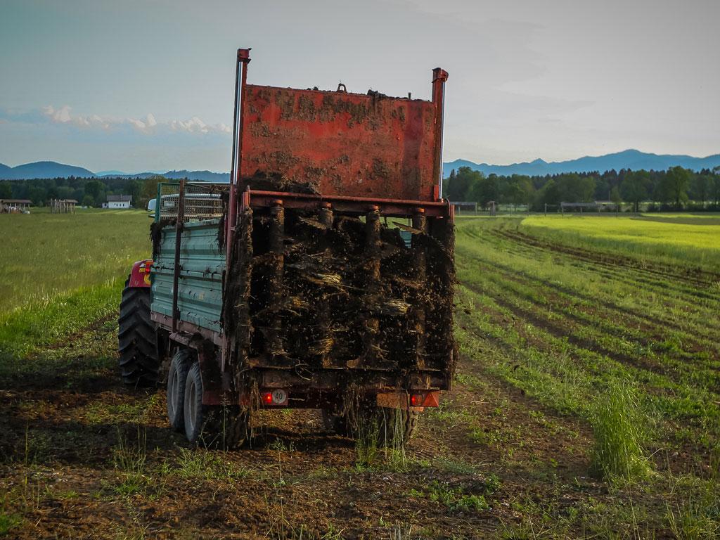 Njive propalih zadruga niko ne obrađuje - Prioritet Ministarstva poljoprivrede USK da evidentira zemljište i stavi u funkciju
