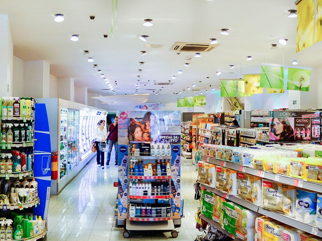 Kompanija dm ulaže 7,9 mil KM u 2019. - U planu proširenje distributivnog centra u Blažuju i otvaranje pet novih prodavnica