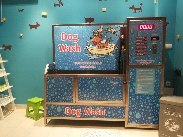 Münze einwerfen, Hund waschen - Erstes SB-Hunde-Waschzentrum in Serbien - Dog Wash Bubble