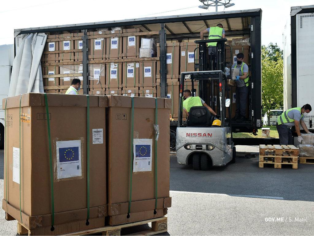 EU će graditi dvije nove klinike u okviru KCCG - Crnoj Gori isporučena donacija 86 respiratora i preko 235.000 komada zaštitne opreme