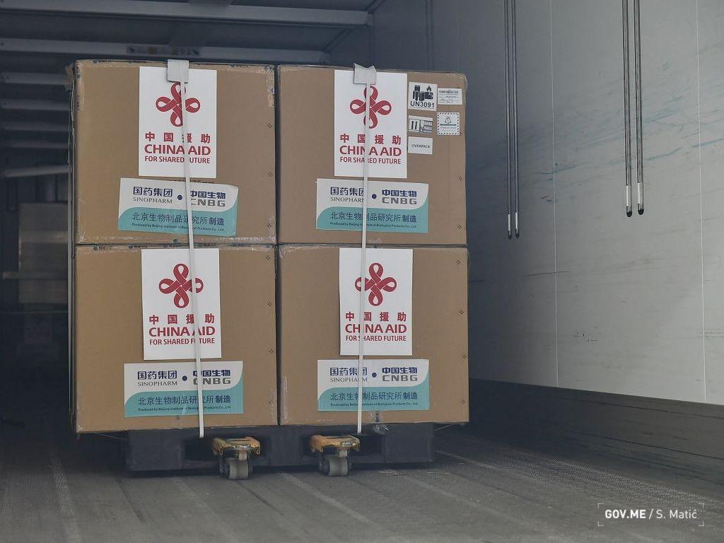U Crnu Goru stiglo 30.000 kineskih vakcina
