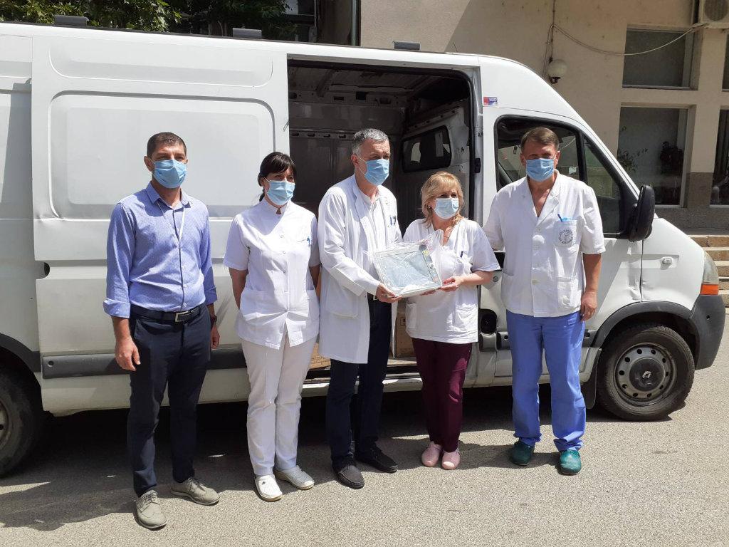 Fondacije Novak Đoković, Delije i HO Svi za Kosmet donirali respiratore i kliničke monitore KBC u Kosovskoj Mitrovici