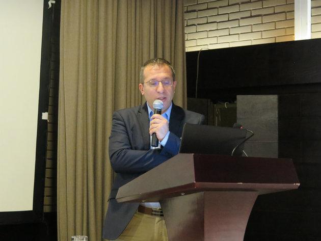 """dr Dragan Vučković, profesor Elektronskog fakulteta Univerziteta u Nišu, prezentovao je temu """"UGR u projektima osvetljenja, kataloški podaci i primena u praksi"""""""