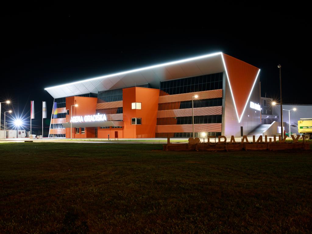 Uskoro otvaranje sportske dvorane Arena Gradiška - Moderni kapaciteti za međunarodna takmičenja u košarci, rukometu, odbojci i futsalu (FOTO)