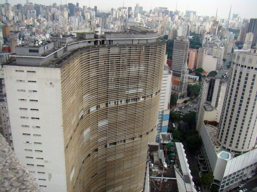 Edificio Copan - Zgrada u kojoj živi 5.000 ljudi i koja ima sopstveni poštanski broj (VIDEO)
