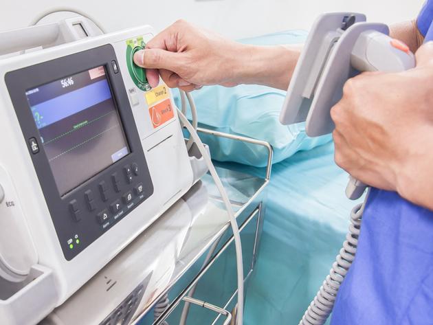 Hemofarm donirao EKG aparat bolnici u Doboju