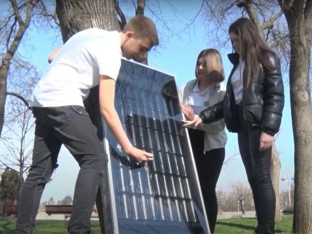 Solarni panel za dogrijavanje - Izum niških gimnazijalaca